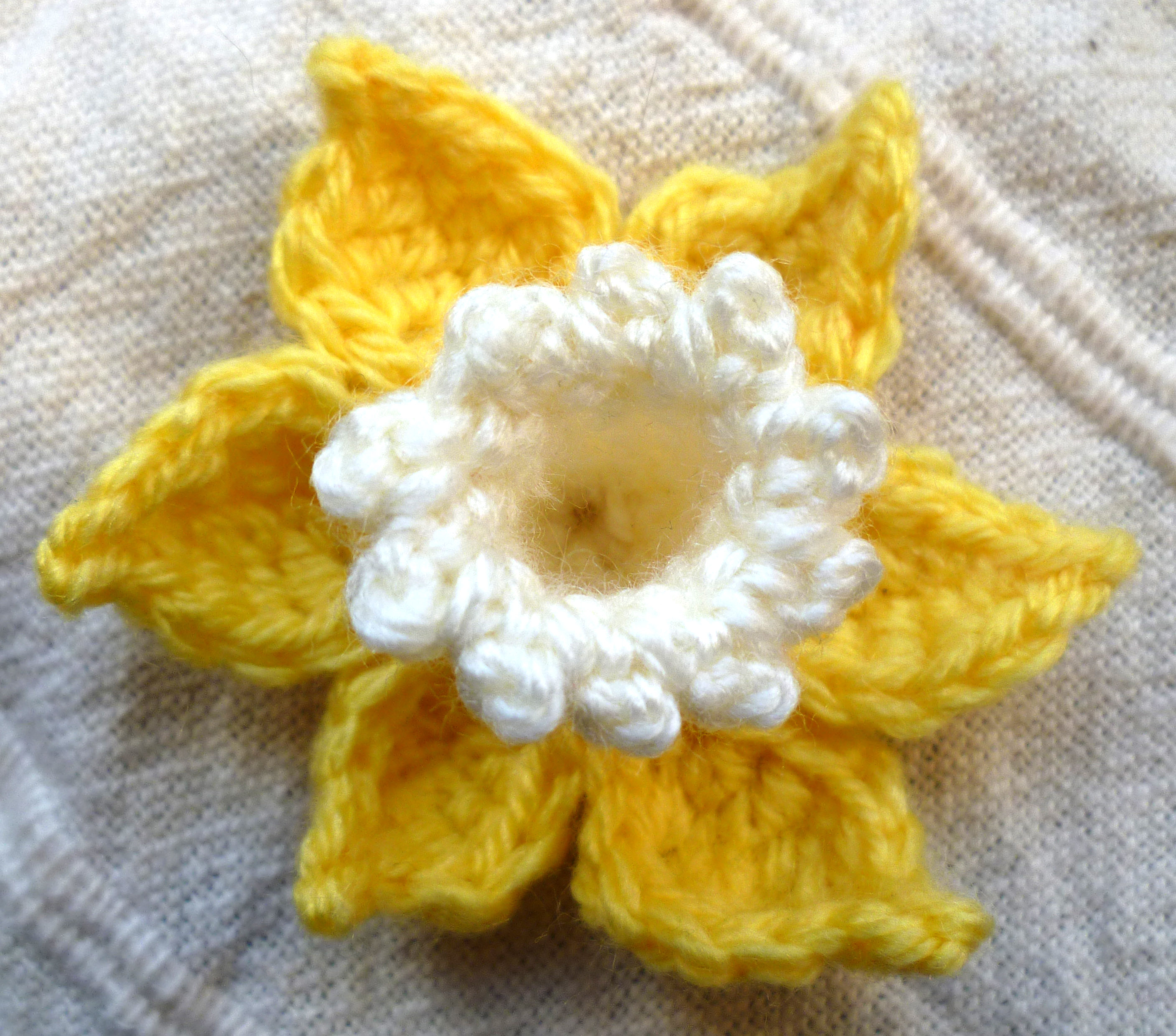 Free Pattern Crochet Daffodil : crochet Land of Bread and Honey Page 3
